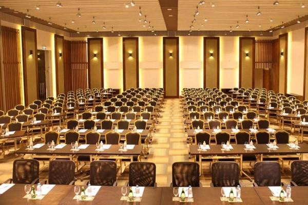 4 Cách sắp xếp bàn phòng hội trường cho các cuộc hội nghị