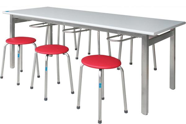 Lựa chọn chất liệu bàn ăn công nghiệp cho canteen trường học 2